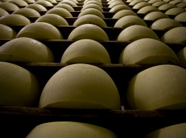 Parmigiano Reggiano, foto di Kelly Hau, via flickr