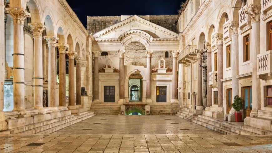 What to do when in Split? Discover the wonders of Diocletian's Palace