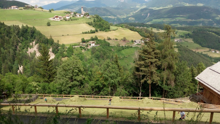 Areal view of the plateau, green and slow itineray