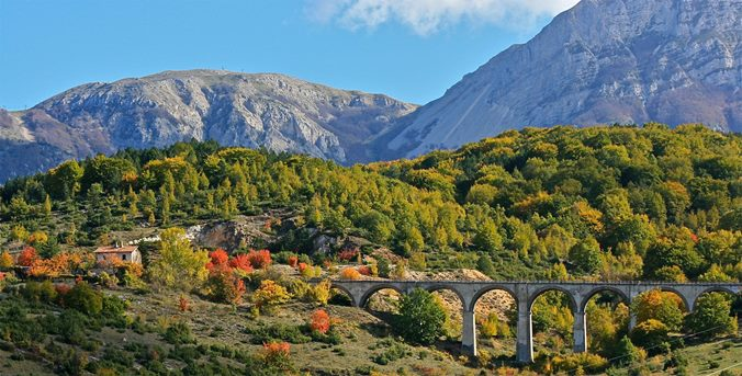 Transita train, between Abruzzo and Molise Parks