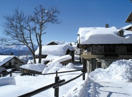 Chamois, the highest place in Aosta Valley, perfect destination for a holiday in the snow, without using your car.