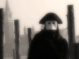 Bauta mask in Venice by Federica Intorcia via Flickr
