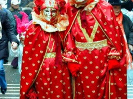 Masks at Rialto Bridge Venice by Alessandra Elle via Flickr