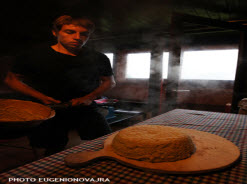 The yellow polenta of local made corn by Eugenio Vajra and courtesy of www.progettopecoranera.it