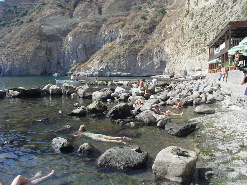 Top free hot springs of Southern Italy - Ecobnb