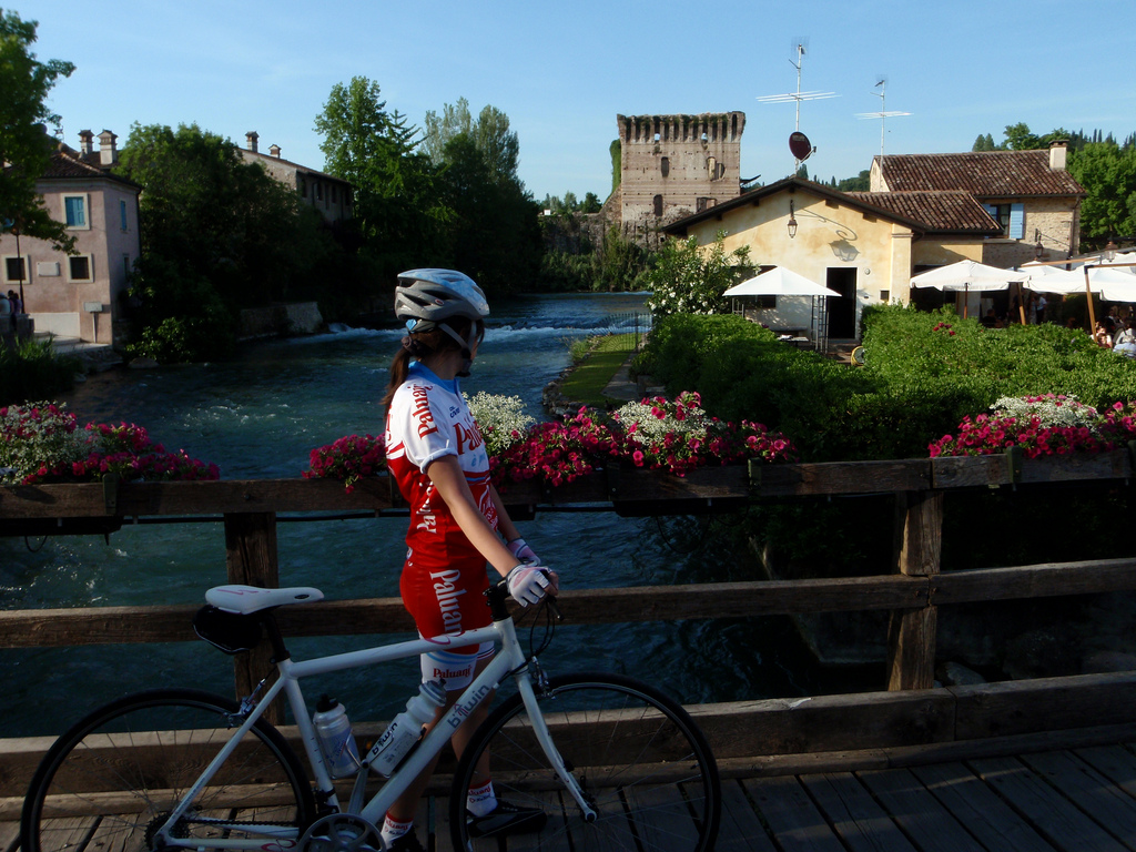 Along the cycle path of Mincio, view of Borghetto. Photo of Pamela via Flickr