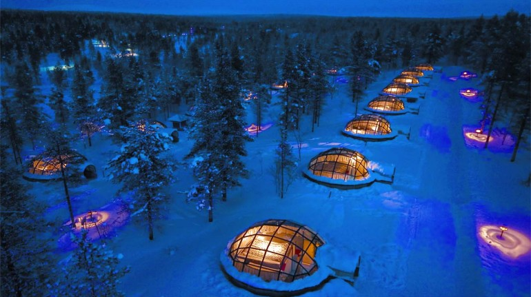 : Do not miss the incredible cheese fondue in the huge main igloo, which can accommodate up to 50 people