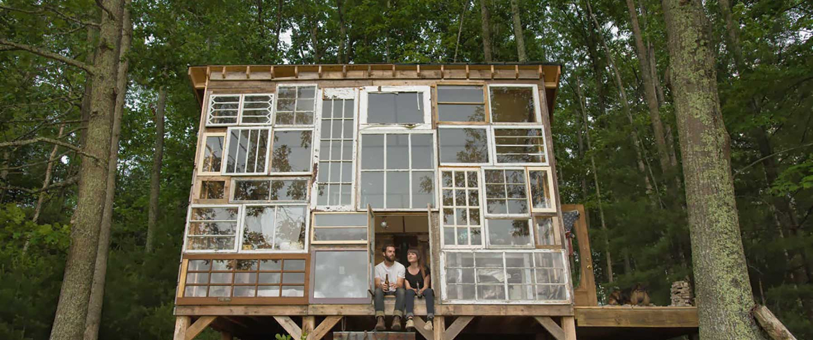 A diy pallet house ecological and low cost ecobnb for Diy home building cost