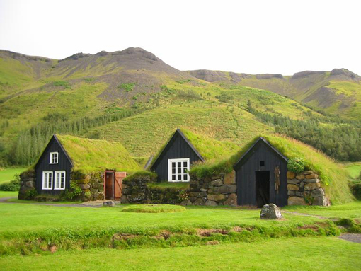 Beautiful-and-Green-Icelandic-Turf-Houses