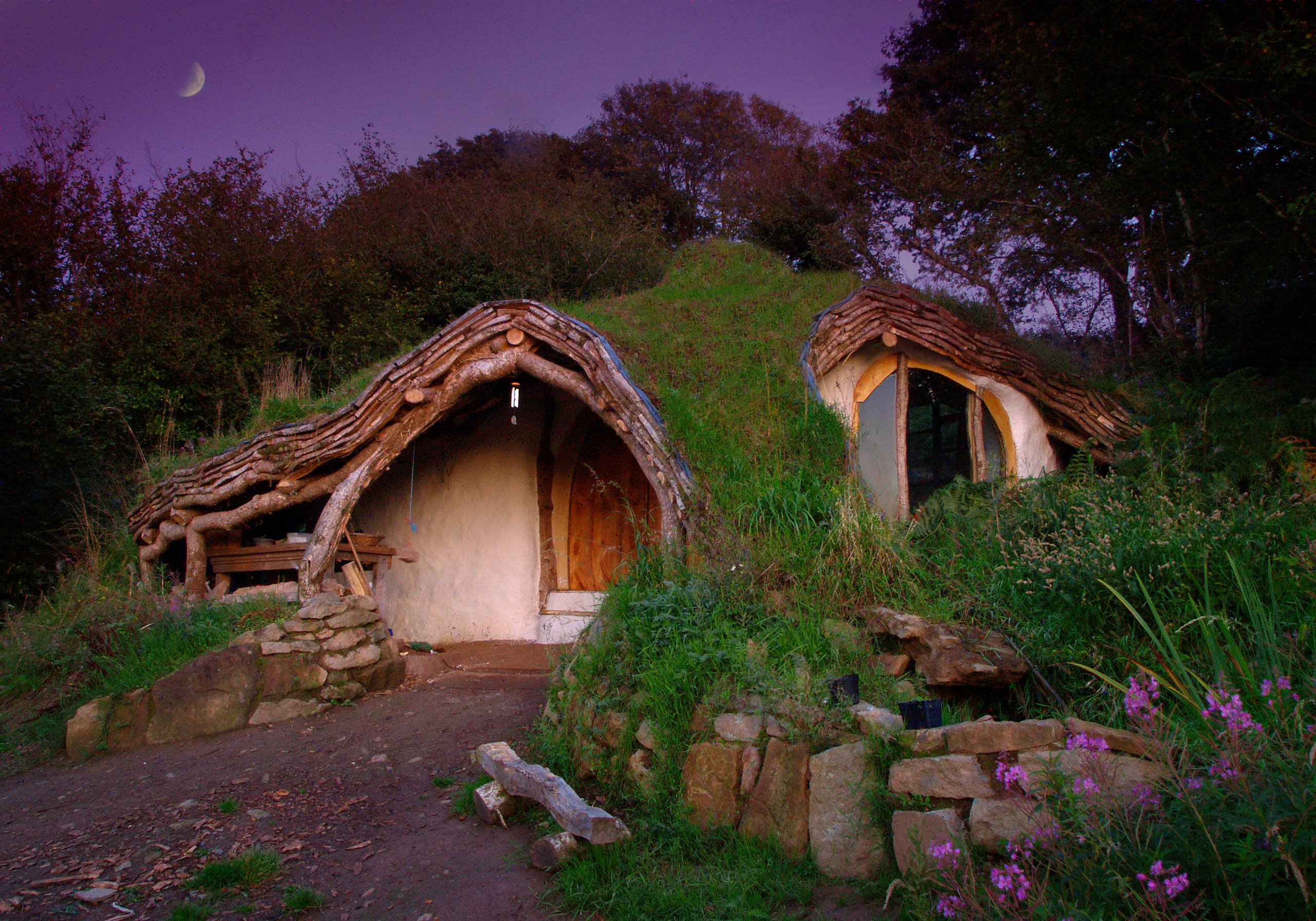 Eco house of the future, Hobbit House in Wales, ph. by Simon
