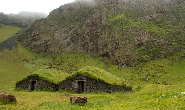 turf-houses-mountain
