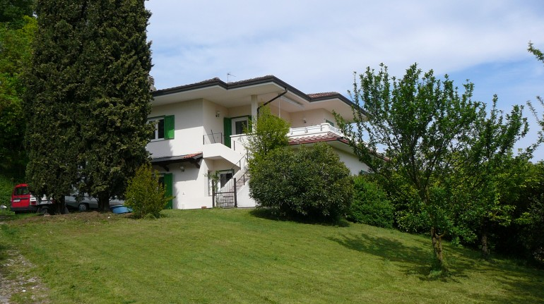 Apartment near Lake Garda