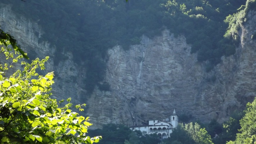 Hermitage of Calamine, destination for spiritual walks in Italy