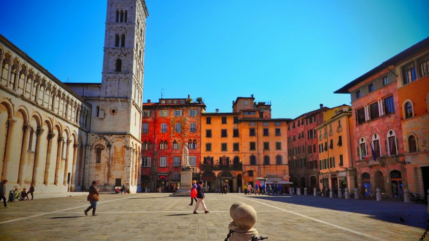Lucca, a city to discover by bike