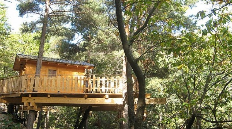 La Maison dans Arbre, tree houses in France