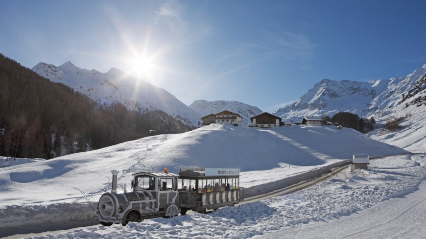 Slow mobility in Plan, Val Passiria (South Tyrol) during winte