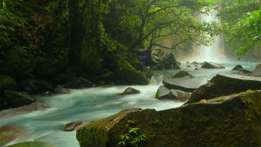 Natural and free hot spring of Costa Rica