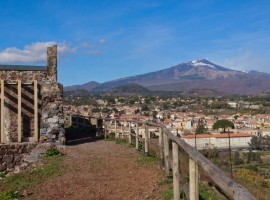 Rural holiday near Mount Etna