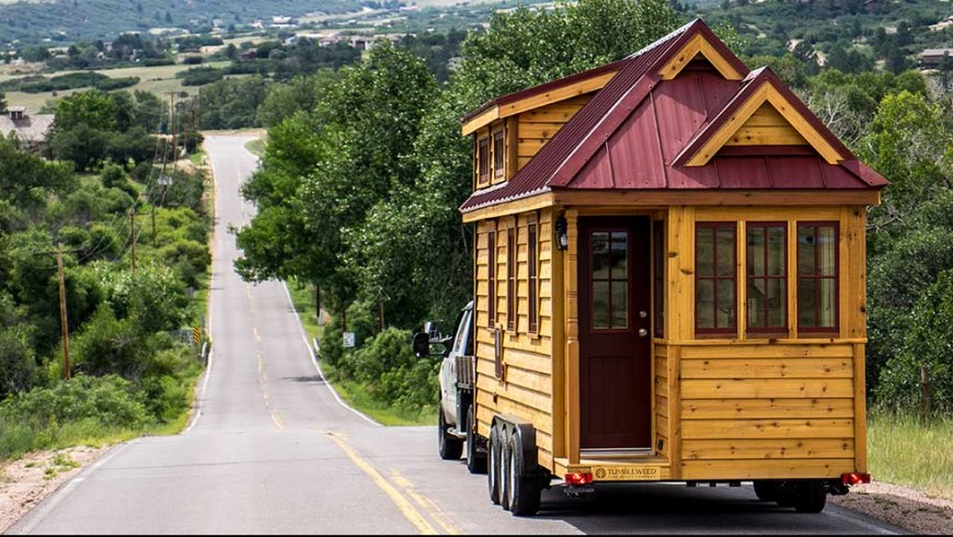 Tiny houses an eco friendly small life ecobnb for Eco friendly tiny house