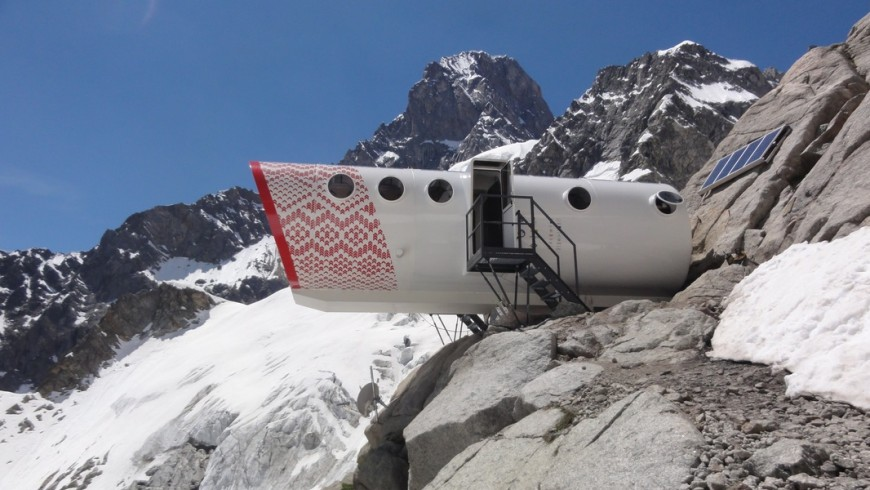 Gervasutti bivouac: One of the eco-friendly shelters of Italy, at 2835 meters of height