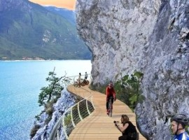 A spectacular new bike path on Garda Lake