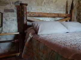 Bed-breakfast-san-leo-camera_armida_home