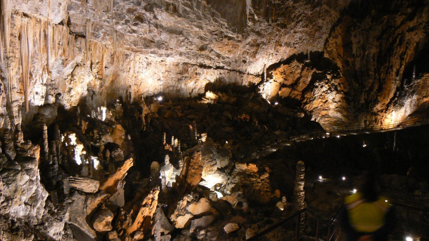 The Giant Cave, underground wonders, photo by Wikimedia Commons