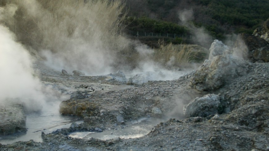 Fumeroles in Sasso Pisano, photo by Wikimedia Commons