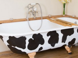 Bathtub, Carswell Cottages, green tourist facilities