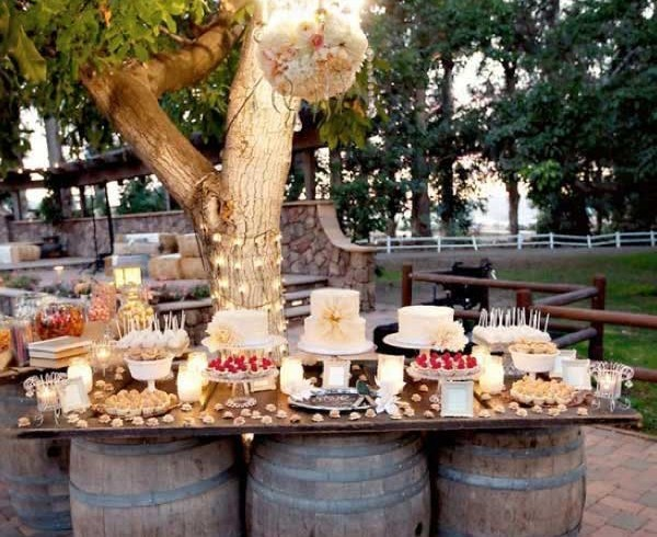 Table with wine barrels, photo via Pinterest