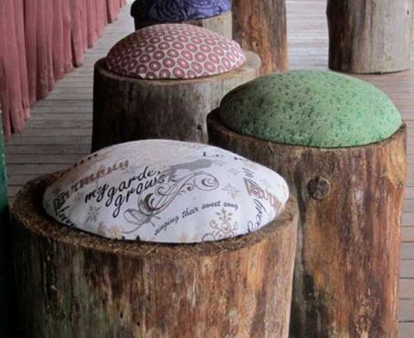 Wood stools, garden, photo via Pinterest