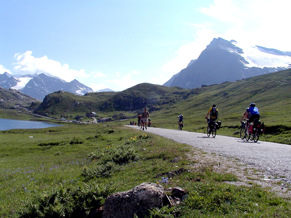 The road closed to traffic, Ceresole Reale