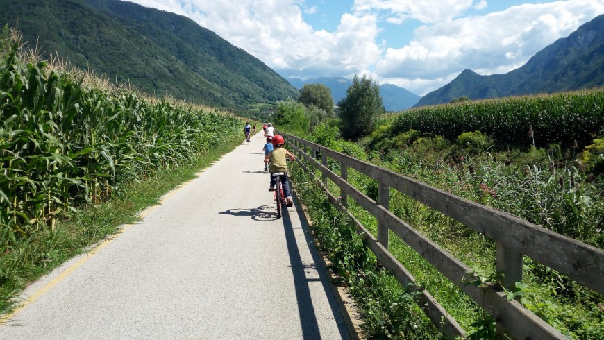 Valsugana cycle path is a 80 km itinerary from Caldonazzo Lake to Bassano del Grappa and it is perfect for families. Family Holidays in Trentino, Italy