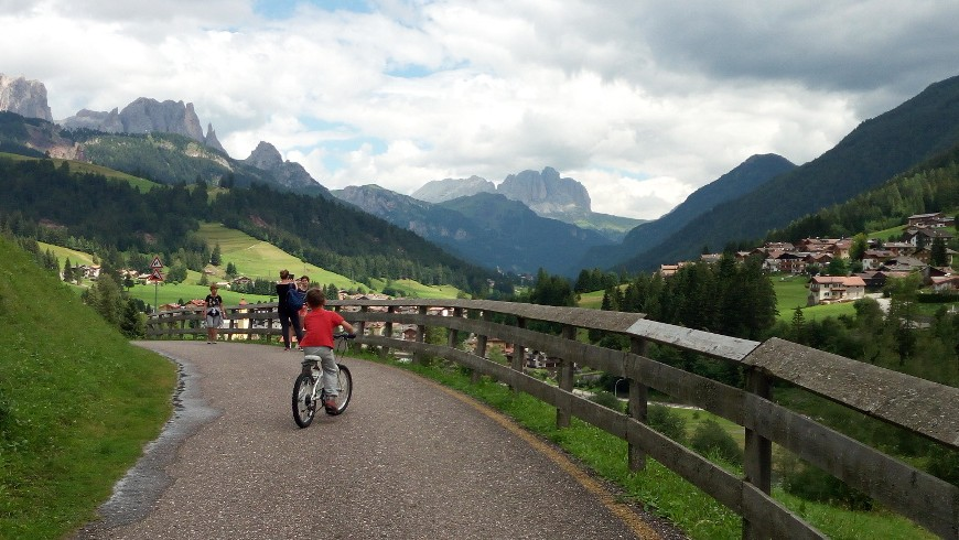 Cycle-path from Moena to Soraga di Fassa