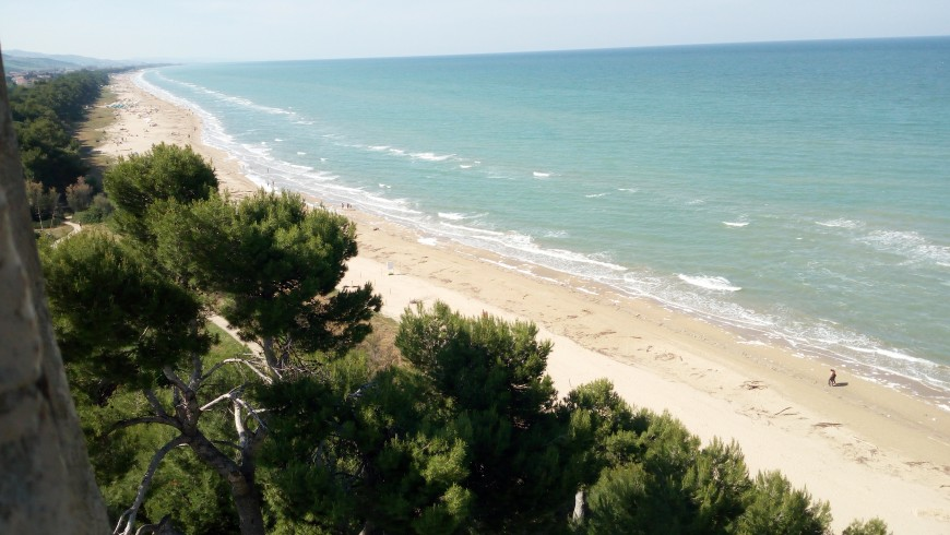 Sand dunes that dive into the Adriatic