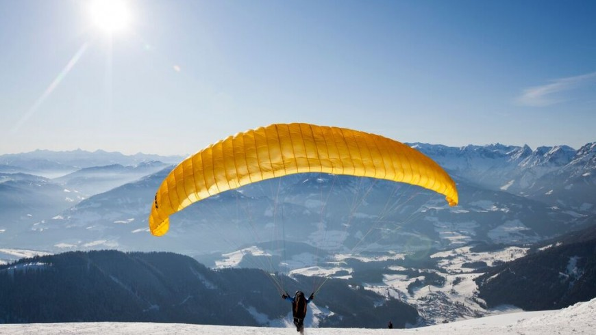 Werfenweng from above: a paragliding flight