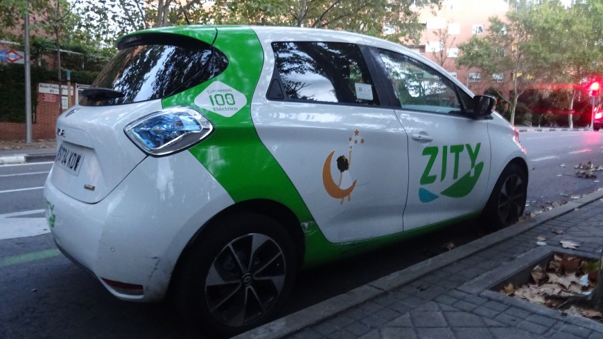 Car sharing with 100% electric cars to reduce air pollution