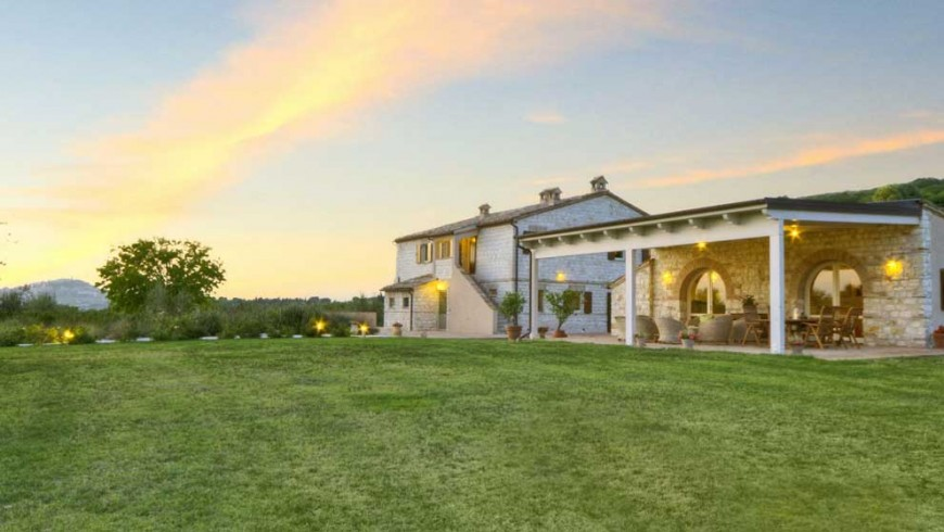 An eco-friendly relais for chic breaks in Marche region