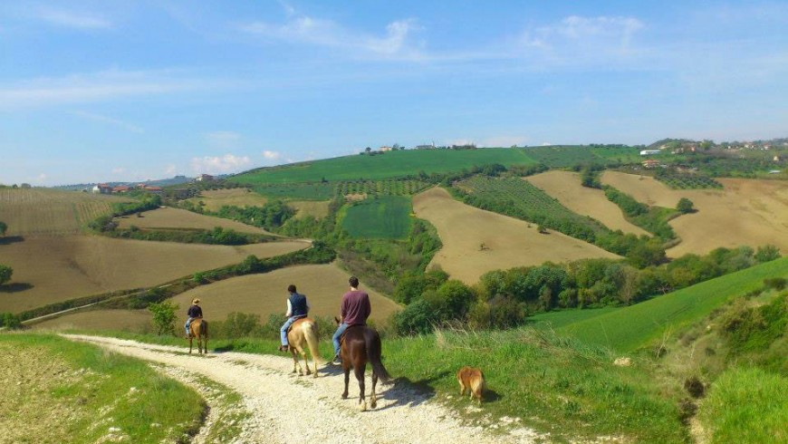 The Cicloippovia: a green experience not to miss in the Calanchi di Atri Natural Reserve, Abruzzo