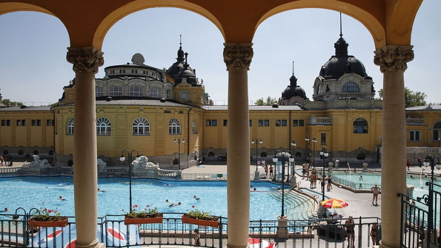 Outdoor swimming pool of the Széchenyi Bath in Budapest, Hungary