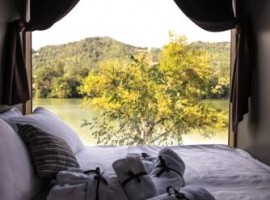 Chocolate village by the river - Ecobnb.com