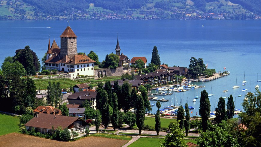 spiez-castle-lake-thun-switzerland-wallpaper-photos-for-desktop-background-free-870x490