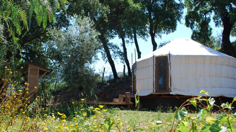 Yurta,Cloud House Farm Yurt Holidays. Los 10 insólitos alojamientos eco-friendly de España