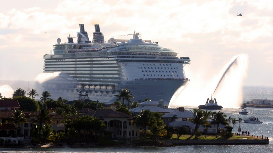 Royal Caribbeans Oasis of the Seas dans le Port Everglad